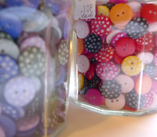 Small_spotty_buttons